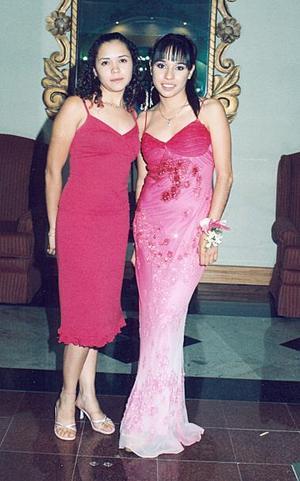 Claudia Campa y Joanna Valenzuela.