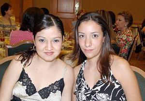 Karina Orozco y Susana Veyán de Valdés.