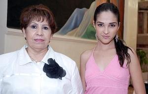 Ana Isabel Corral y María Elena Flores.