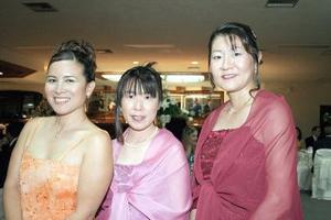 Jéssica Takigawa, Kimiko Kikukawa y Akemi Okada.