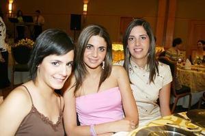 Luly Gallegos, Alejandra Batarse e Isabel Belausteguigoytia.