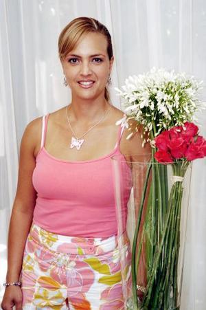 <b>06 de julio 2005</b><p> Bety Nieto de Martínez celebró hace unos días su cumpleaños.