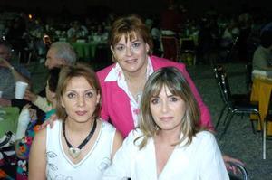 <b>06 de julio 2005</b><p> Pita Campa, Marcela M. de Sada y Aída V. de Sambuci.