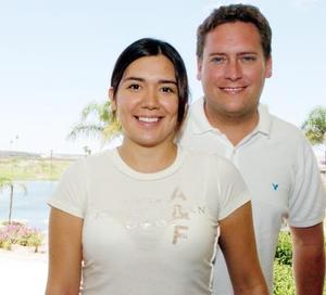 María Angulo Miñarro y Jarrod Peterson.