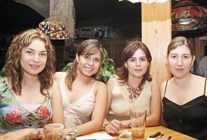Edna de Rodríguez, Ana Lucía Urrutia, Rosetta Urrutia y Maricarmen de Silveira