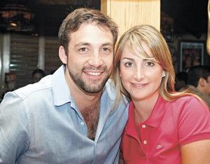 Gustavo Aizcorbe y Claudia Ortiz