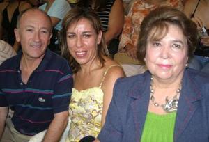 Alberto Carrillo, Nenabel González y Banchis de la Garza de González
