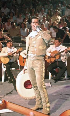 <I>Pablo Montero en La Expo Gómez 2005<I><P>