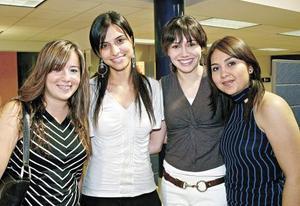<I>RECORRIDO SOCIAL | Laguneros que comparten estilo<I><P>  Adriana Alarcón, Cecilia Murra, Rhoda Real y Paty Licera