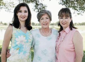Mónica Saldaña de Villar, Martha Wolff de Saldaña y Marthita Saldaña de Castrellón