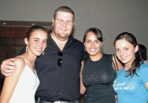 Pilar González, Jorge Giacomán, Sofía Abusaid y Tony Sosa