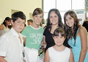 Miguel, Aranza, Valeria, María y Maricarmen Berlanga