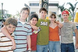 Ricardo Martín, José Pablo Martín, Esteban Villarreal, Isabel Martín, Javier y Alejandro Villarreal