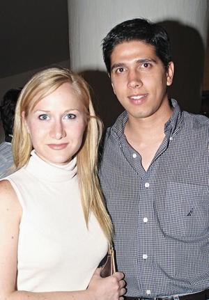 Mónica Fernández de Garza Tijerina y Alan Garza Tijerina Murra