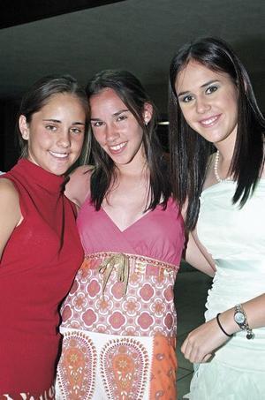 Cristina Elizondo, Charito Cepeda y Charito Cuellar