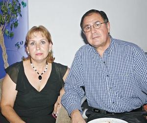 Magaly y Juan A. Peressini