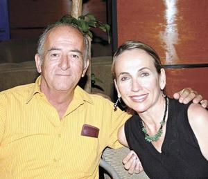 Luis y Carmen Hermosillo