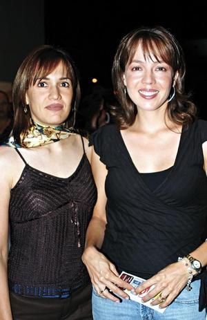 <I>Espectacular Concierto de Pandora<I><P> Liliana Gómez de Carzo y Nely Martínez de López