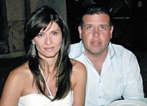 Arlette de Ortiz y Ramiro Ortiz