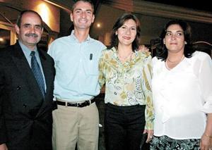 Gregorio Fernández Islas, Guido Canedo, Claudia de Canedo y Carolina Guerrero de Fernández