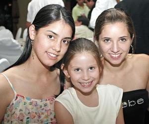 Maricarmen, Marian y Luzma Bujdud
