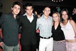 Armando Sixsi, Pedro Ávila, Alberto Huerta, Lorena Martínez y Paola Nájera