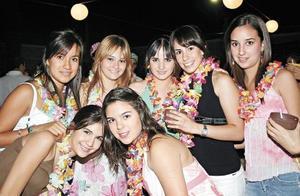 Cristy, Anilú, Paola, Magaly, Valeria, Brenda y Sandra