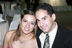 Loretta Sánchez y Gerardo Muñoz.