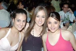 <b>09 de julio 2005</b><p> Marcela Pardo, Bárbara Vickeman y Daniela Rey.