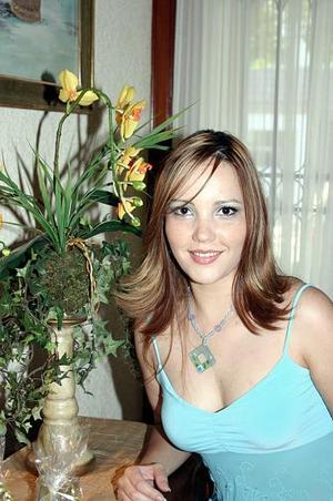 Brenda Arratia, en su fiesta de despedida de soltera.
