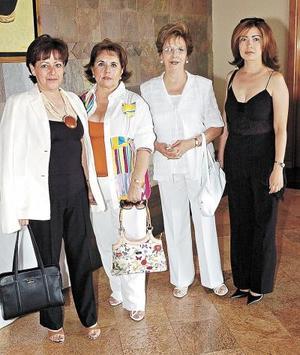 Esther Leyva, Ángeles Arellano, Aurora Máynez y Paty de Máynez.