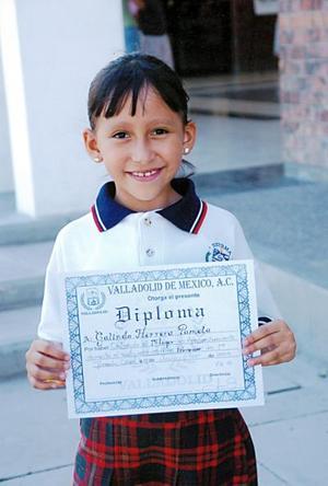 Pamela Galindo Herrera, obtuvo el primer lugar en aprovechamiento de su colegio.