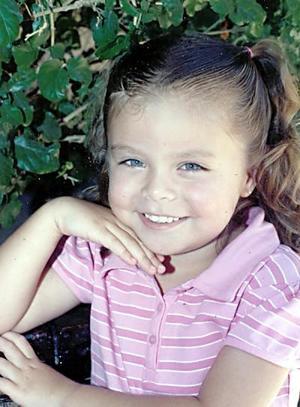 Sofía Marcela Ayala Rosales cumplió cuatro años de edad y fue festejada por sus padres, Luis Antonio Ayala y Marcela Rosales.