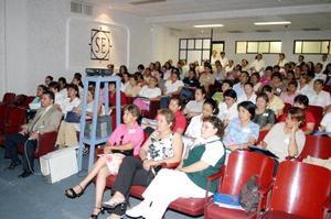Personal de Enfermería y paramédicos de hospitales de laComarca Lagunera participaron hace unos días en las Jornadas de Enfermería, efectuadas en el Sanatorio Español.