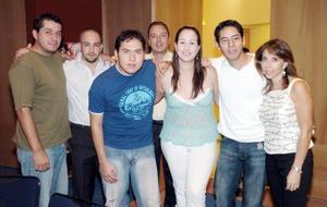 Toño Towns, Cuauthémoc, Beto, Kike, Pamela, Joselo y Ana de Anaya, en pasa do acontecimiento social.