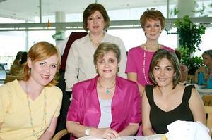 <b>11 de julio 2005</b><p> Naima N. de Mexsen, Lourdes E. de Mexsen, Sory M. de García, Eloísa de Artigas y Lupita R. de Murra.