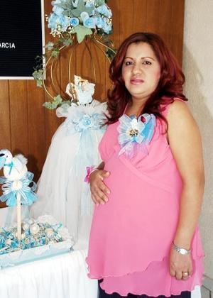 Con motivo del bebé que espera, a Griselda García de García sus familiares le organizaron una fiesta de canastilla hace unos días.