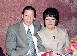 Aurelio Yáñez Raigoza y Arcelia Cruz Lugo, festejaron recientemente su aniversario de casados.