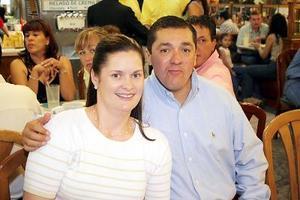 Ingrid von Bertrab de Soto y Roberto  Soto Ortega.