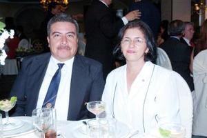 Miguel Ortega y Jessie de Ortega.