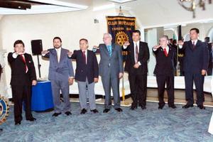<b>10 de julio 2005</b><p> Nuevos integrantes de la mesa directiva que tomaron protesta.