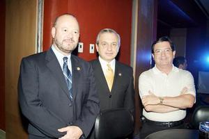 <b>11 de julio 2005</b><p> Rodolfo Garza, Sergio de la Rosa y Roberto Madero.