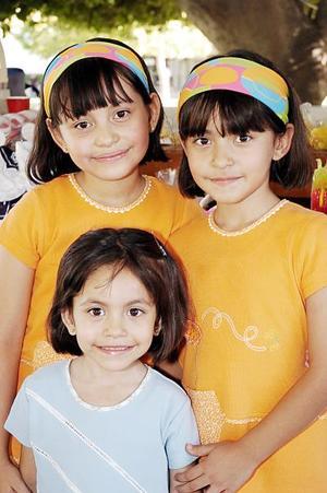 Ana Luisa, Mónica y Carla Martínez Sánchez fueron festejadas por sus padres, con motivo de su noveni, séptimo y cuarto cumpleaños, respectivamente.