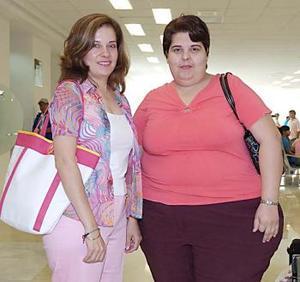 Carmina y Cristina Marroquín, viajaron  Mazatlán.