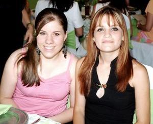 <b>14 de julio 2005</b><p>  Brenda Silva Braña y Carmina Flores Zaher Braña.
