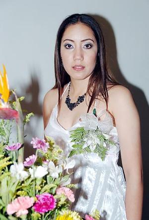 Karla Angélica Torres captada en su despedida de soltera.