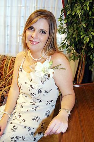 Carmen Aída Madero Gutiérrez contraerá matrimonio con David B. Smith, el próximo 30 de julio.