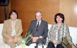 María Dolores Cepeda, Jorge Landeros y Mercedes Quintero.