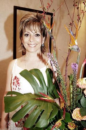 <b>14 de julio 2005</b><p> Ana Luicía Sáenz de Guerrero festejó hace unos días su cumpleaños, con un convivio que le organizaron sus familiares y amigas, en el cual recibió numerosas felicitaciones.