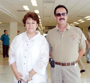 Lidia Valtierra viajó a al Distrito Federal y fue despedida por Pablo Lira.